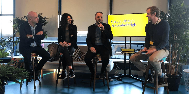 An painéal cainte ag chéad-chruinniú Borradh, ó chlé: Micheál Ó Conghaile (MUFG Investor Services), Aisling Quinn (VideoRankMe), David Kyne(Evoke KYNE), Daithí de Buitléir (Borradh, Fear an Tí)
